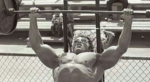 4 Strategies for a Bigger Bench | Arnold Schwarzenegger